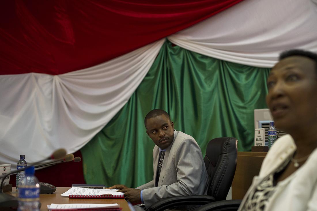 Un diputado participa en la apertura de las sesiones de la Asamblea Nacional, el pasado 27 de julio / Fotografía: Getty Images