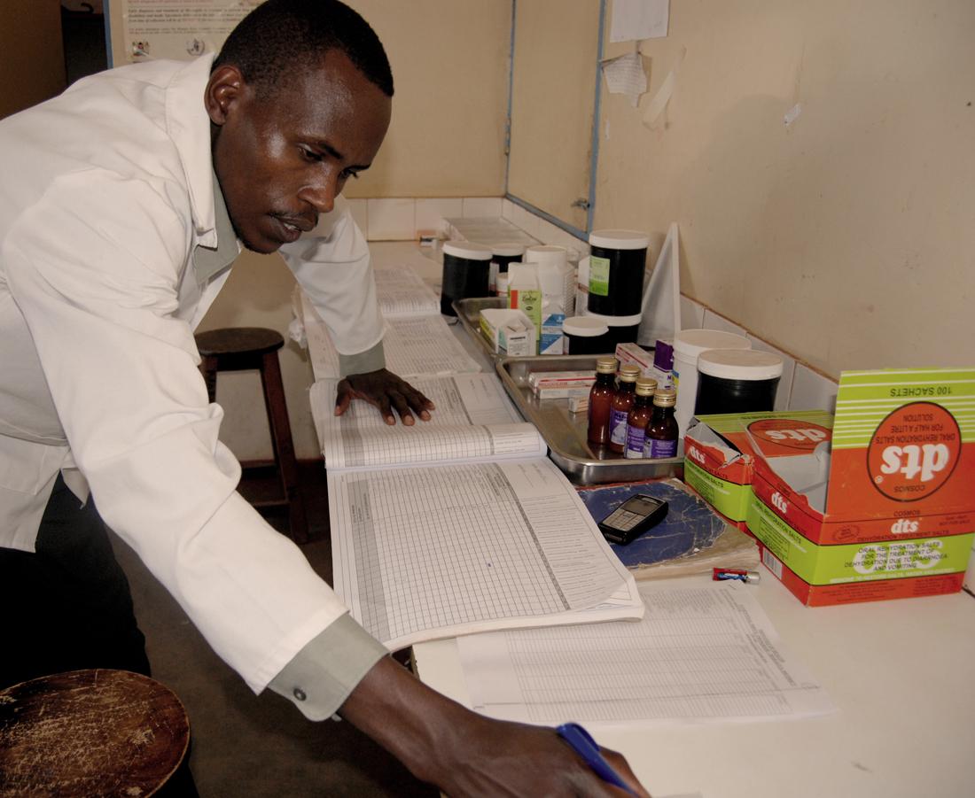 Ante la falta de medios de los centros públicos de salud en Kenia, están proliferando por todo el país dispensarios privados muy caros para los pacientes y con pocas garantías sanitarias / Fotografía: María Ferreira